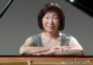 mizue at piano